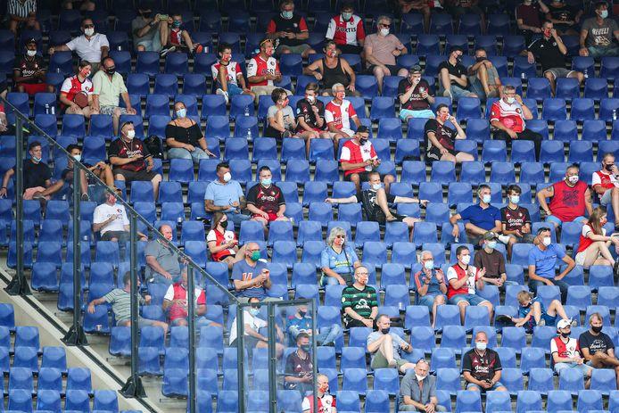 Bij de stadsderby tussen Feyenoord en Sparta zijn woensdag mogelijk supporters welkom.