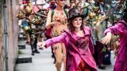 """Sandrine (21) verwelkomt Tomorrowlandgangers in Brussel: """"Festivalbeleving begint van zodra ze van de bus stappen"""""""