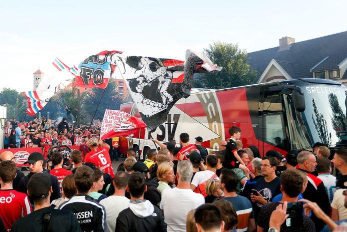 PSV speelde vorige maand tegen Benfica ook in een uitverkocht Philips Stadion, dat toen ook voor tweederde bezet mocht zijn.