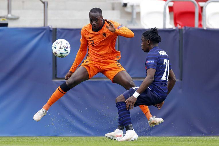 Jordan Teze, hier in actie tijdens de kwartfinale tegen Jong Frankrijk: 'Tegen Duitsland zijn het altijd pittige wedstrijden.' Beeld ANP