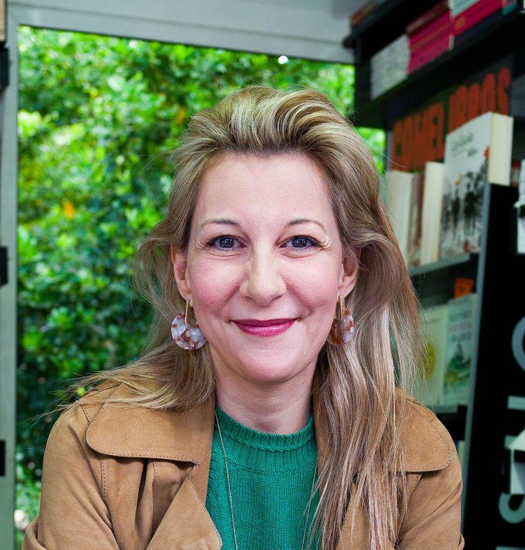 Eva García Sáenz de Urturi (1972, Vitoria-Gasteiz) is schrijver en optometrist en was verbonden aan de Universiteit van Alicante. Ze debuteerde in 2012 met La saga de los longevos. El silencio de la ciudad blanca, haar vierde roman, werd in 2016 in Spanje een bestseller en betekent haar internationale doorbraak. Beeld Getty Images