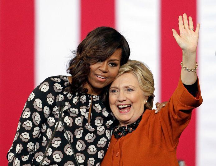 Ook voormalige first ladies Michelle Obama en Hillary Clinton zullen aanwezig zijn.