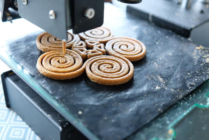De Karpendonkse Hoeve experimenteert twee weken lang, samen met de Eindhovense startup Upprinting Food, met het printen van gerechtjes.
