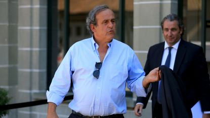 """In eer herstelde Platini hoopt dat FIFA """"het fatsoen heeft"""" zijn schorsing op te heffen, wereldvoetbalbond reageert fors"""