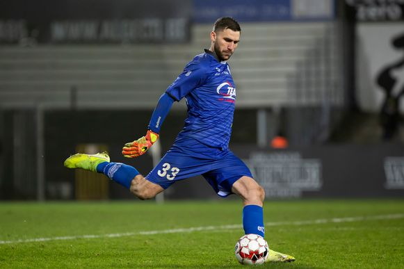 Théo Defourny als doelman van Lokeren het voorbije seizoen.