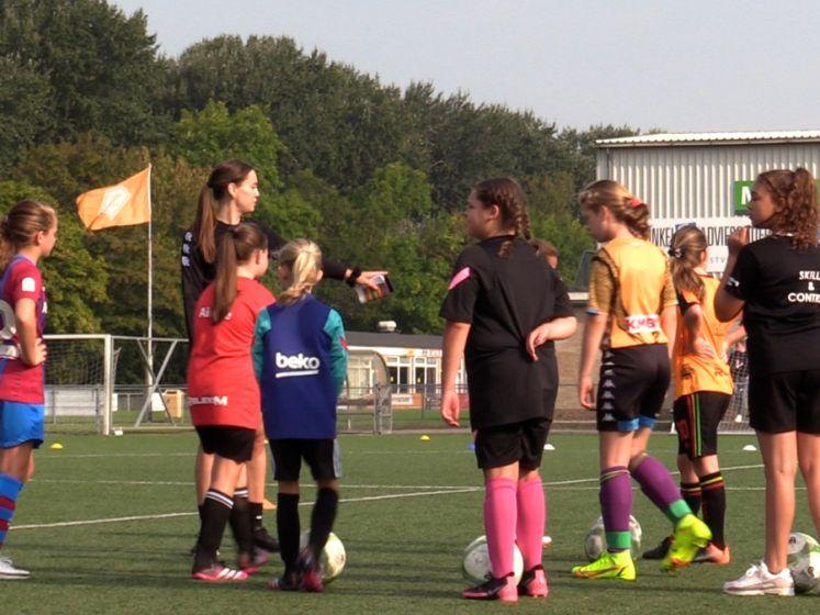Voetbalclinic speciaal voor meiden