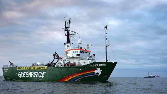 Het Greenpeace-schip de Arctic Sunrise.