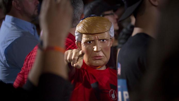 """Comme le vote pour le Brexit (23 juin), l'élection de Donald Trump à la tête des États-Unis, première puissance militaire, est un """"séisme"""" pour le monde."""