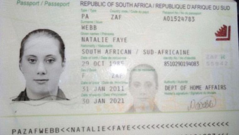 Eén van de paspoorten die 'de Witte Weduwe' gebruikt (of heeft gebruikt). Ze gebruikt hier de naam Nathalie Faye, maar staat nu bekend als Samantha Lewthwaite. Beeld reuters