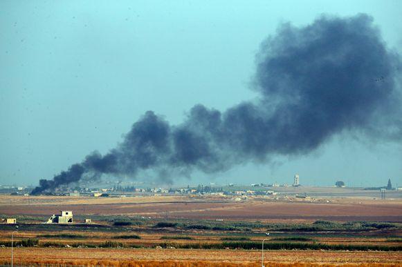 Vandaag startte Turkije met de eerste bombardementen aan de grens met Syrië.