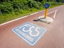 Nieuw stuk F35 in Almelo aangelegd tijdens opknapbeurt kruispunt Aalderinkssingel