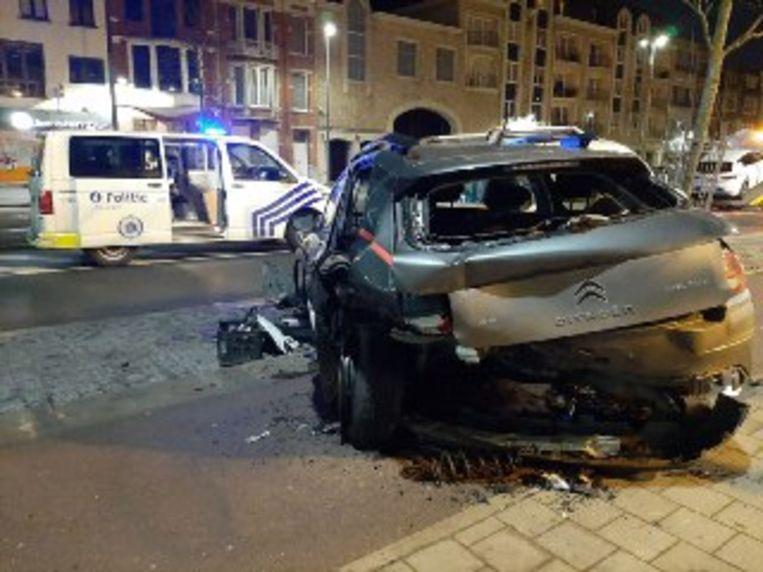 De wagen van de dronken bestuurder was total loss.