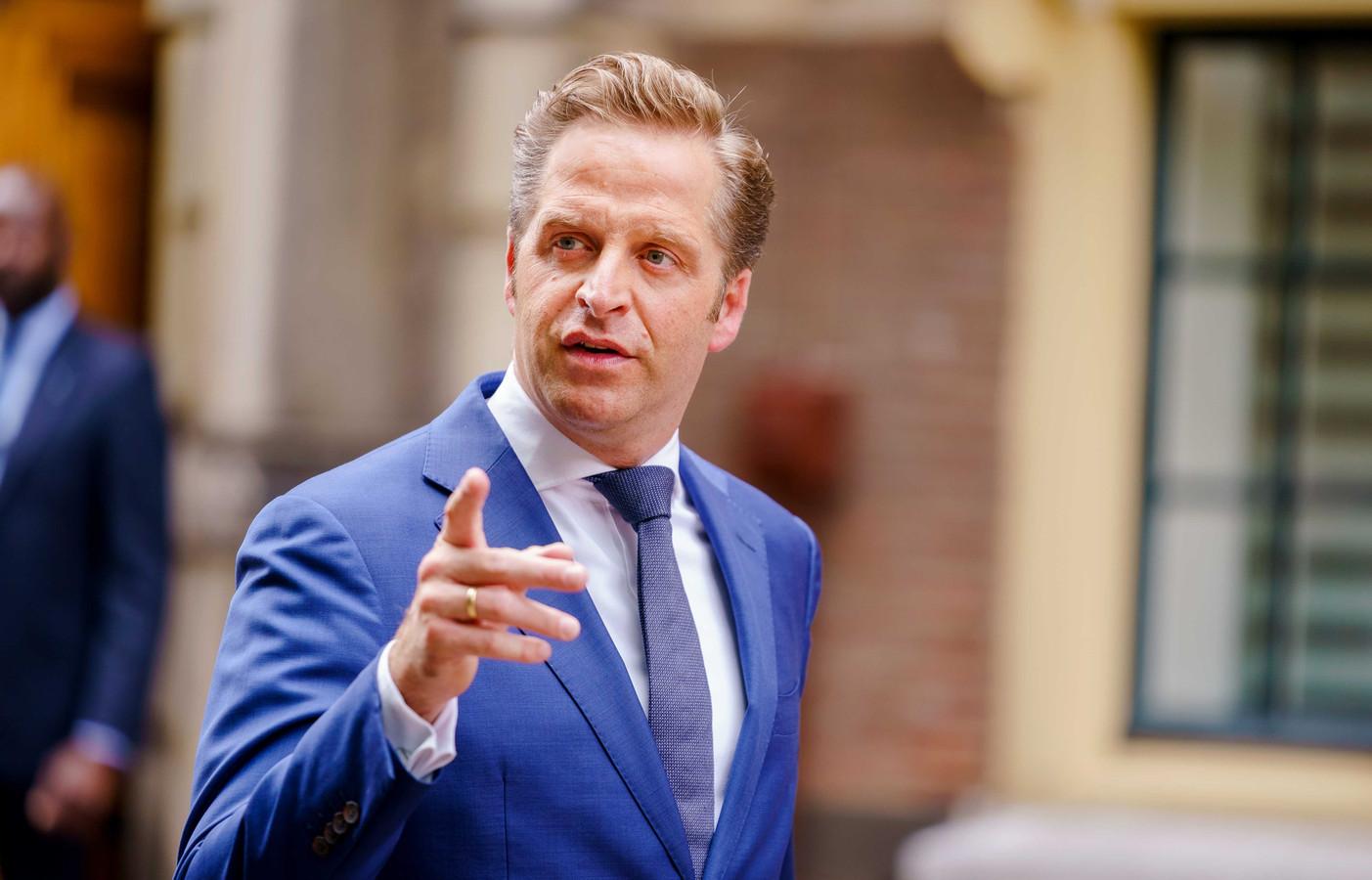 Volgens demissionair minister Hugo de Jonge heeft hij geen kritiek willen uiten op burgemeesters.