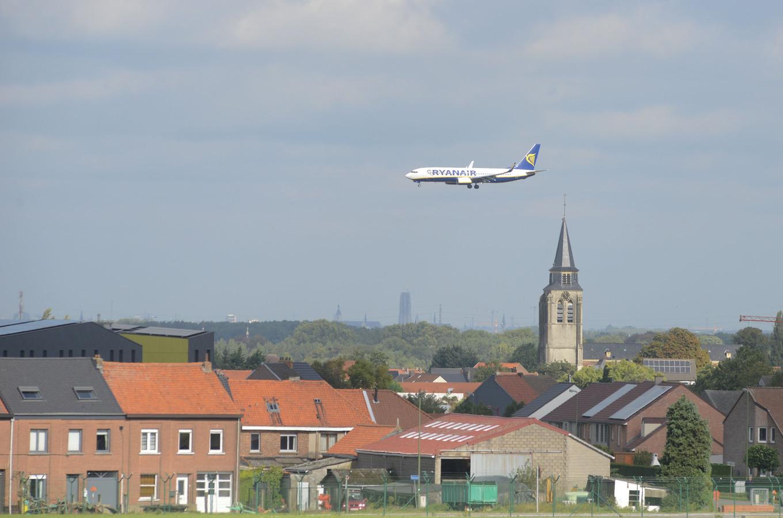 Een Ryanair-vliegtuig zaventem steenokkerzeel