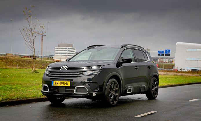 Fraaie vormgeving kenmerkt de Citroën C5 Aircross, al zijn niet alle snufjes handig.