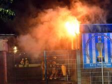 Kantine van cricket- en voetbalclub S.C.S. Wanica Star gaat in vlammen op