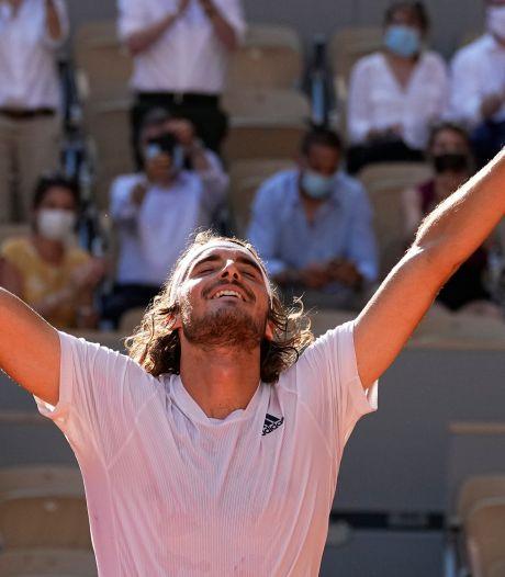 Tsitsipas naar eerste Roland Garros-finale na slopende vijfsetter