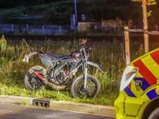 Bestuurder crossbrommer (17) ernstig gewond door botsing met motorcrosser (20): 'Ze waren aan het stunten'