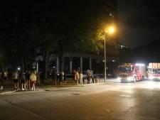 Tientallen flatbewoners op straat vanwege brandende vriezer