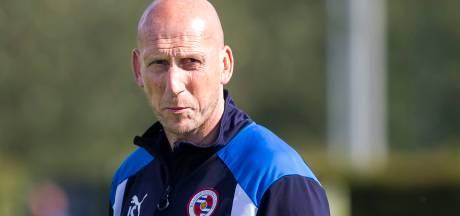 Jaap Stam verrast verdediger van Staphorst: Je bent toch niet zenuwachtig?
