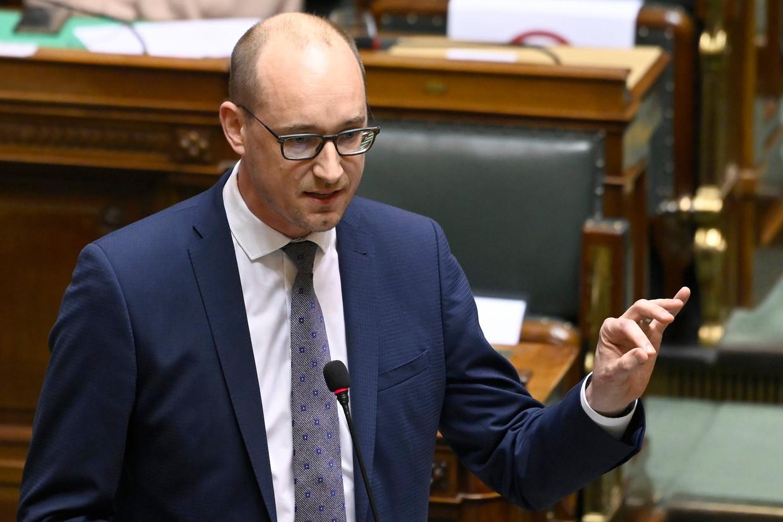 Financiënminister Vincent Van Peteghem (CD&V): 'Eens de bedrijven gelanceerd zijn, betalen ze hun leningen terug of kopen ze hun aandelen weer op bij de overheid.' Beeld Photo News