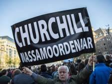Man die in 2018 op de Dam spandoek met 'Churchill massamoordenaar' toonde, doet verhaal bij rechter