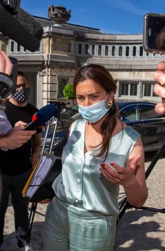 """Vlaamse regering sluit - voorlopig - de rangen: """"Positie Demir staat niet ter discussie"""""""