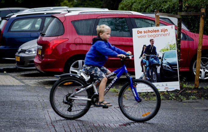 Veilig Verkeer Nederland adviseert om de route eerst een keer te oefenen.