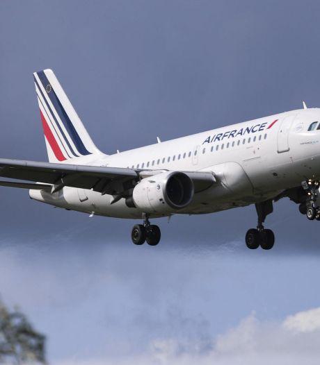 """Un avion d'Air France atterrit d'urgence à Pékin: """"Une explosion entendue à l'arrière de la cabine"""""""
