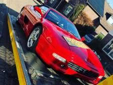 Politie neemt Ferrari mee bij hennepkwekerij Apeldoorn
