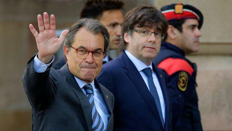 Ex-premier Artur Mas en huidig premier van Catalonië Carles Puigdemont