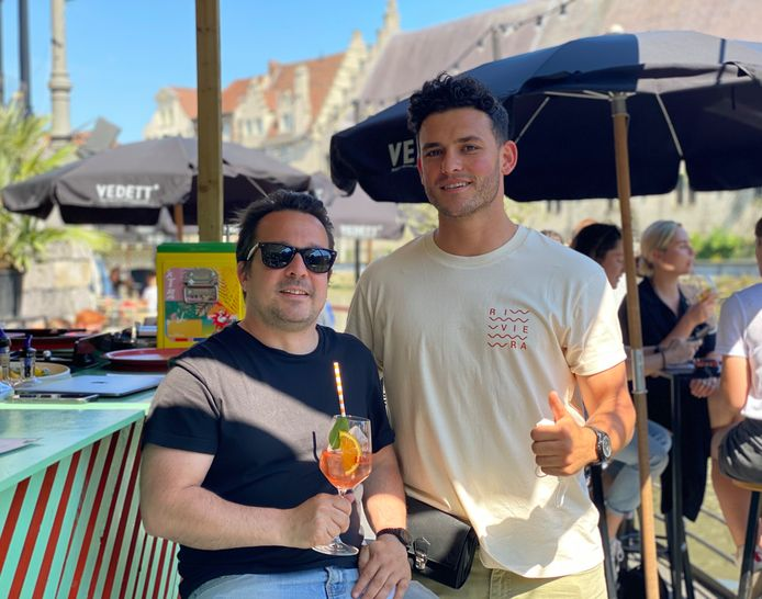Organisator Lieven Dermul en barmanager Yassin Badi.