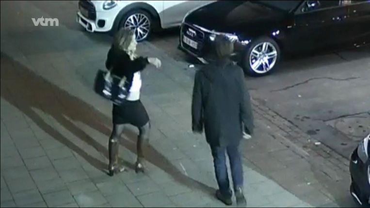 22 januari 2017, 4.49 uur. Het laatste beeld van Sofie Muylle (27). Een camera aan het casino in Knokke filmt haar en haar vriend, Wouter C. Ze zijn net aangekomen met een taxi. Iets na 5 uur zegt Sofie in de  Pianobar dat ze een luchtje gaat scheppen. Beeld VTM