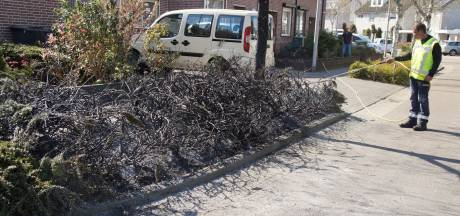 Oeps... Groenmedewerker brandt onkruid én bosjes plat in Drunen