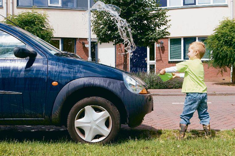 Je auto wassen: het kan perfect met water uit je eigen regenwaterput.