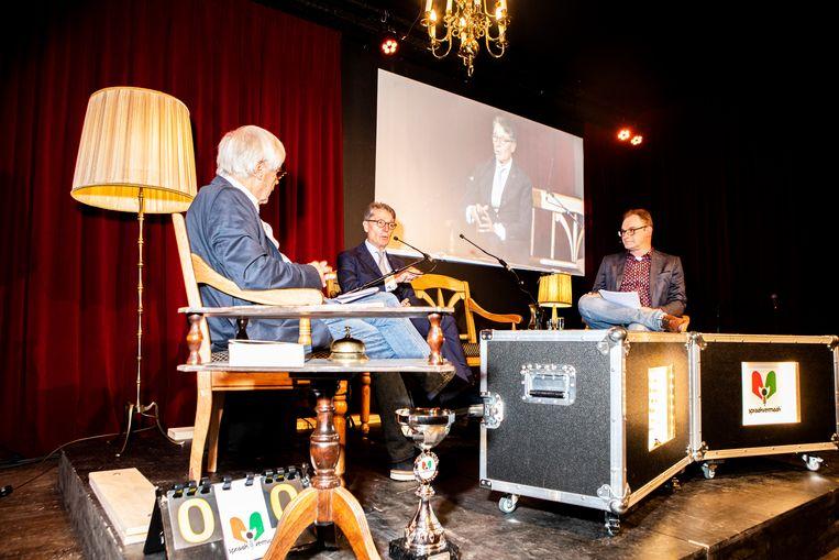 Spraakvermaak met links presentator Dik van Beest, midden Dirk Lips en rechts medepresentator Henk van Ingen.  Beeld Hilde Harshagen