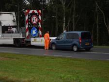 Vrouw ramt pijlwagen bij Meppel, wegwerkzaamheden uitgesteld