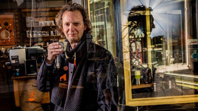 Hans Tietema startte in 2000 koffiezaak Kaldi in Zwolle. Twintig jaar later zijn er tientallen vestigingen, zoals in Deventer.