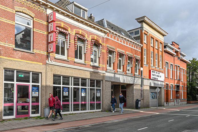 20210315 - ROOSENDAAL - FOTO: Pix4Profs/Peter Braakmann - De oude City-bioscoop wordt getransformeerd tot appartementencomplex. Pand wordt volledig gesloopt en herbouwd.