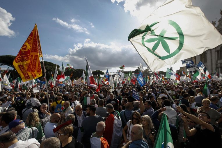 Antiregeringsbetoging van Lega-aanhangers eind 2019. Intussen zit de partij zelf in de regering. Beeld EPA
