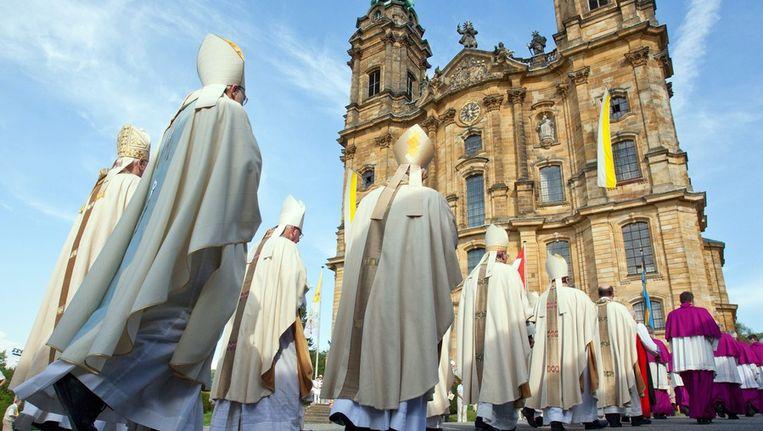De bisschoppen van Bavaria, vorig jaar mei, in de buurt van de stad Bad Steffelstein. Beeld EPA