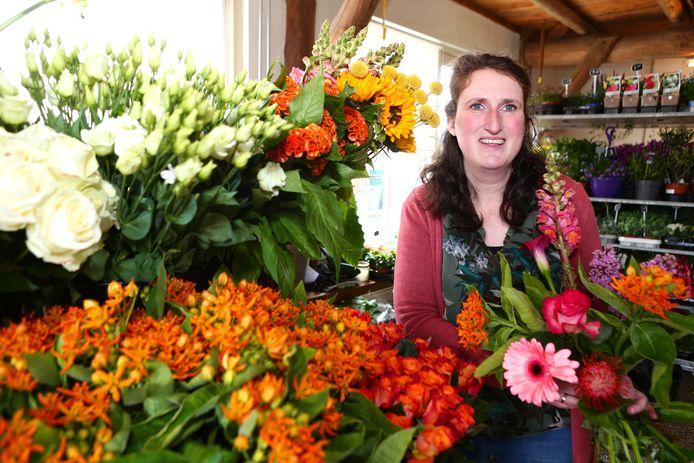 Leny Slingerland startte haar eigen bloemenzaak.