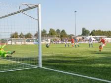 Flinke kwaliteitsimpuls voor West-Brabants amateurvoetbal in de vierde klasse: 'Het wordt dringen bovenin'