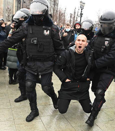 Ruim 3400 aanhangers Navalny opgepakt, vrouw Julia inmiddels weer vrijgelaten