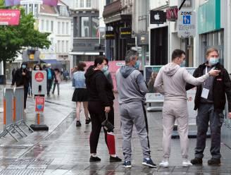 Kortrijk zet extra stewards in om 'arrogante' Fransen in het gareel te krijgen: 'Ze zijn welkom, maar het moet leuk blijven'
