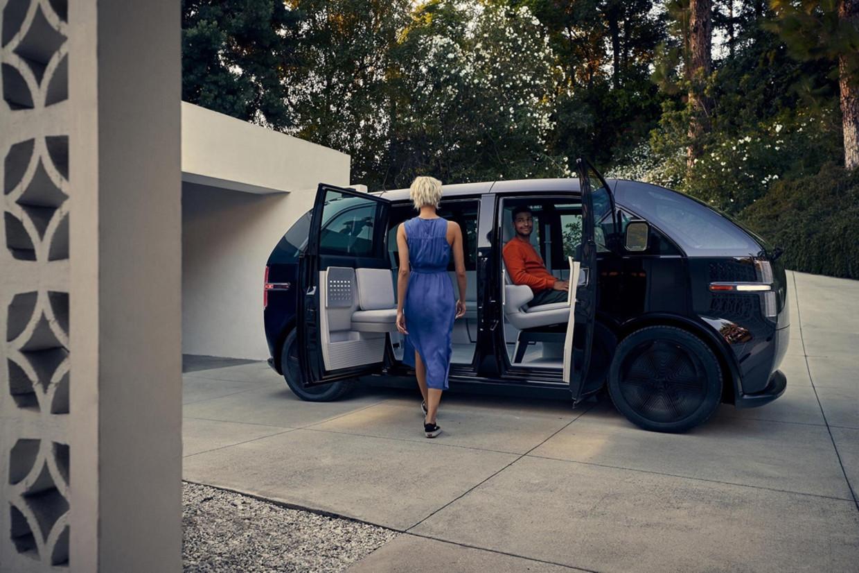 Bij VDL Nedcar in Born gaat de nieuwe elektrische Lifestyle Vehicle gemaakt worden. Elders is er 'niets in productie dat hier een beetje op lijkt'. Beeld canoo
