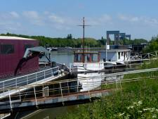 Woonboten moeten weg uit kanaalhaven: bewoners blijven mogelijk met schuld achter