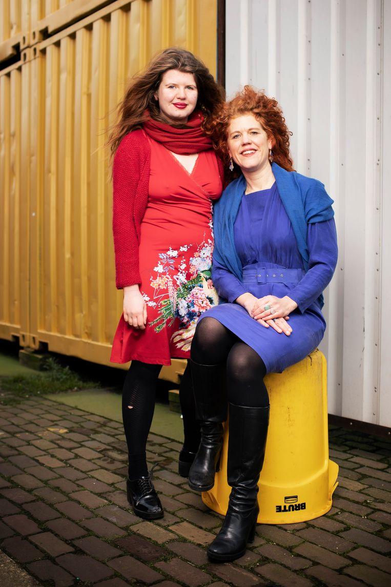 Nederland Amsterdam 20210130: Ouder en Kind Floor en Alma (foto Harmen de Jong). Beeld Harmen de Jong