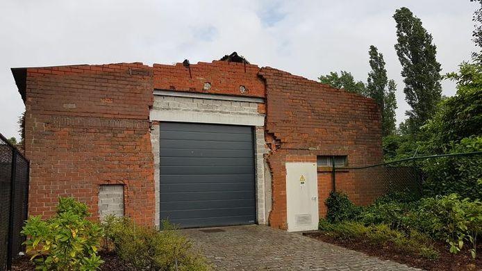 Deze oude verlaten varkensstal in Gooreind (Wuustwezel) werd vermoedelijk gebruikt voor het volledige productieproces van methamfetamine of crystal meth.