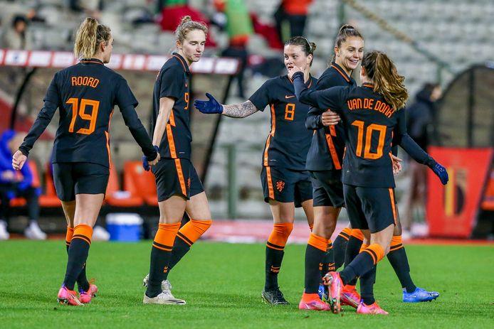 Vreugde bij de Leeuwinnen na de 1-4 van Martens.